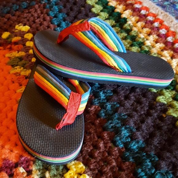 ef51f5a25952 RAD Retro Rainbow Flip Flops! M 5ae61f1b8290afcb1e57c85e